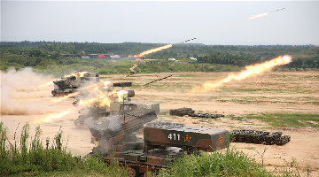 Artillery regiment conducts live-fire training