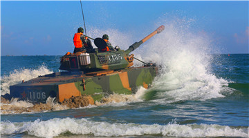 ZBD-05 & ZTD-05 amphibious vehicles head to shore