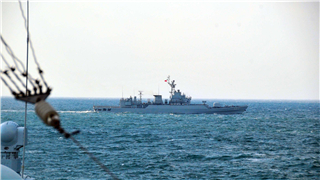 Destroyer flotilla steam in Yellow Sea