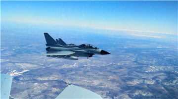 J-10 fighter jet receives fuel from tanker aircraft