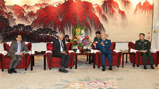Senior Chinese military official meets with Singaporean defense minister
