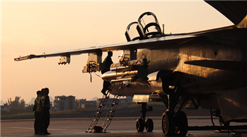Fighter bombers take off for round-the-clock flight